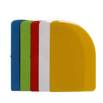 Raschietto taglia pasta Luna plastica 543 vari colori
